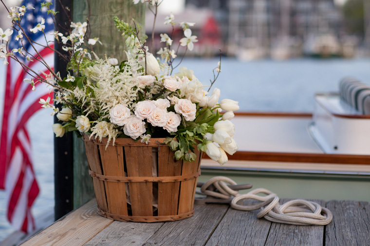 Charleston Stems Wedding Photos by Liz and Ryan Annapolis Yacht Club Wedding Annapolis Wedding Nautical Wedding Decor (9)