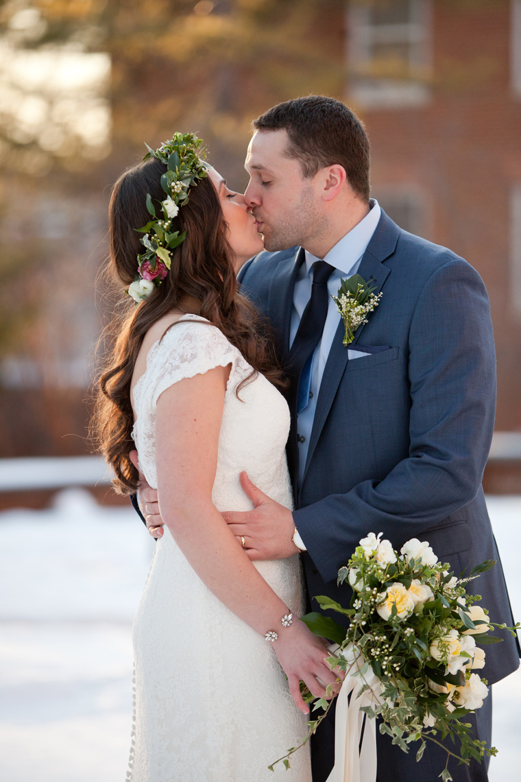 St Johns College McDowell Hall Randall Hall Annapolis Maryland Winter Wedding Snow Wedding and Engagement Photography Classic Romantic Photos by Liz and Ryan (18)