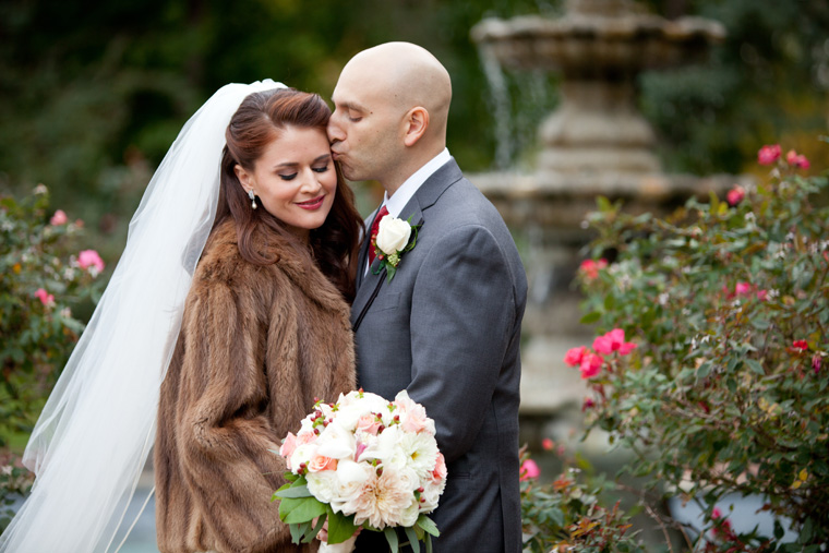 Elegant-Fall-Wedding-Photos-by-Liz-and-Ryan-022
